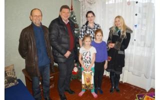 Rotariečiai praturtino penkių šeimų šventinius stalus
