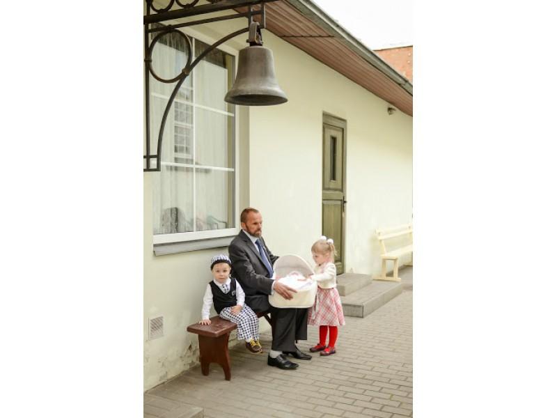 Pranas (Napalys) Maselskis su savo anūkėliais 2014 m.