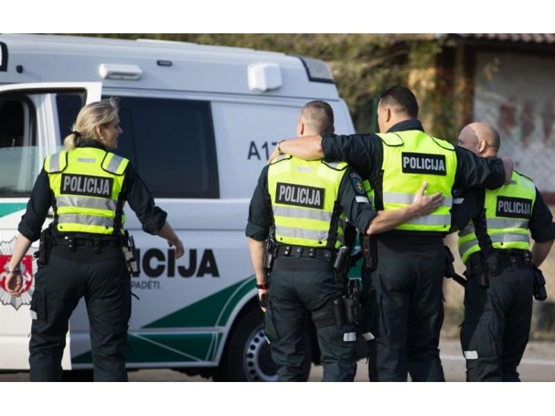 Palangos policija: nukentėjo automobiliai, rasta narkotinių medžiagų