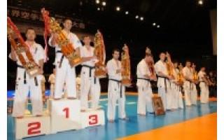 """Karate olimpiadoje Japonijoje – palangiškio Luko Kubiliaus """"istorinė"""" 4-a vieta"""