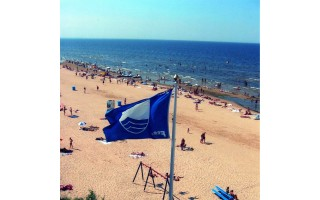 Palangos Birutės parko paplūdimiui – aukščiausią kokybę liudijanti Mėlynoji vėliava