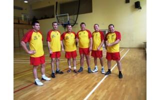 Kolegiškus ryšius su latviais  užmezgė sporto aikštelėje