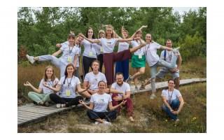 """Rugpjūčio 8-9 dienomis Šventojoje - nemokamas sveikatingumo ir meno festivalis """"1000 saulių"""""""
