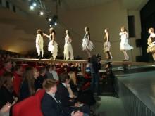 Aplodismentų sulaukė jaunųjų dizainerių kolekcijos.