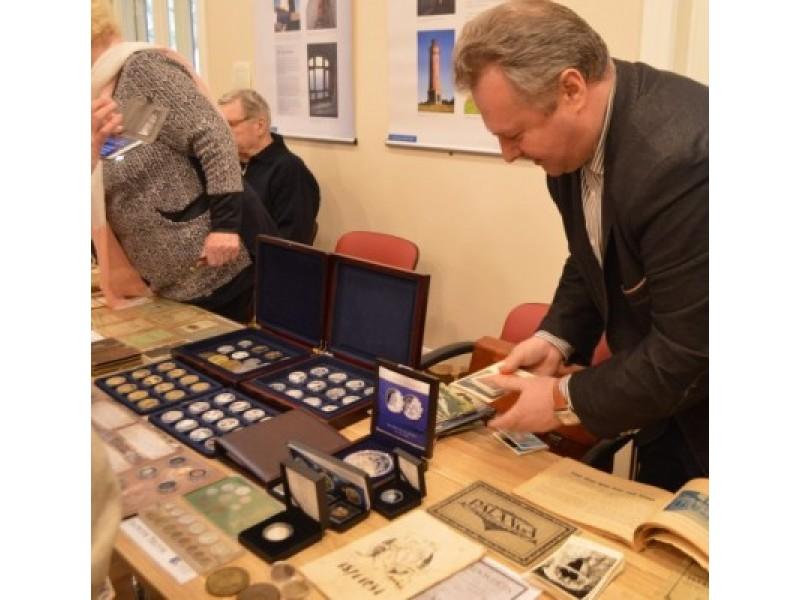 """""""Suneštiniame muziejuje"""" entuziastai  stebino savo kolekcijomis"""