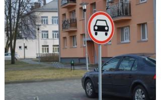 Nauja automobilių stovėjimo aikštelė nesuteikė džiaugsmo, tik daugiau ginčų