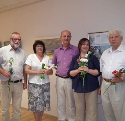 """D. Kaunas (centre) ir """"Metų"""" ištraukas skaitę K. Rudys, D. Oškinytė, L. Grajauskienė ir V. Litvaitis. B. Spevakovienės nuotr."""
