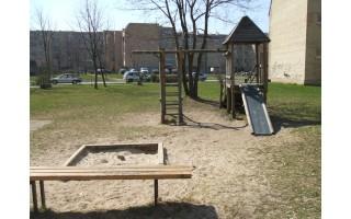 Dėmesio neregėjusios vaikų žaidimo aikštelės jo pagaliau susilauks