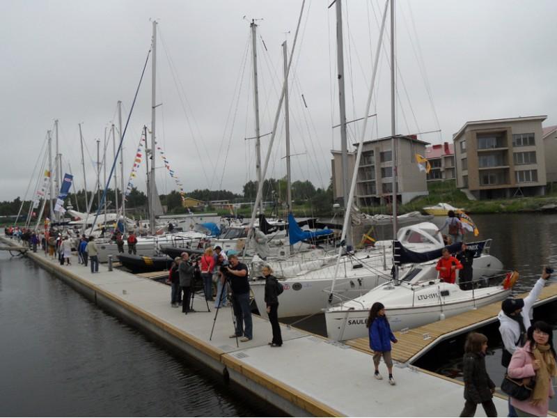Šventojoje atidarytas antras Lietuvos jūrų uostas vilios žvejus ir pramogautojus