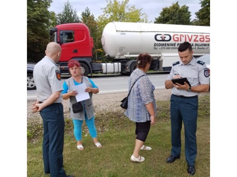 Vyr. tyrėjas Marius Buračas kalbėjosi su pažeidėjais draugiškai, bet pabrėžė jų atsakomybę