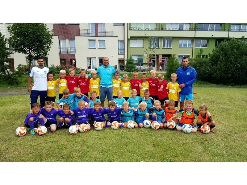 """Futbolo klubas """"Gintaras"""" kviečia jaunuosius palangiškius į savo būrį"""