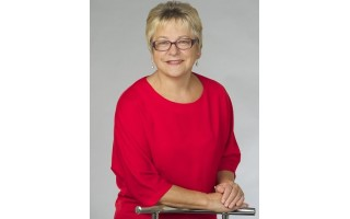 """Tarybos narė, opozicinės """"Tikroji opozicija"""" frakcijos seniūnė Elena Kuznecova: """"Tos mergaitės (Svetlanos Grigorian – PT) iširusi frakcija buvo reklaminė, užsidirbti politiniams dividendams"""""""