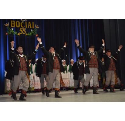 """Liaudiškų šokių kolektyvas """"Bočiai"""" atšventė veiklos jubiliejų"""