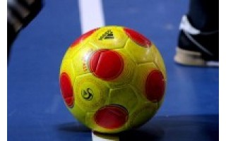 Salės futbolo turnyre – du rezultatyvūs mačai