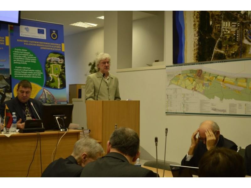 Politikai nepritarė trims V. Dantos pristatytiems sprendimų projektams dėl sklypų detaliųjų planų.