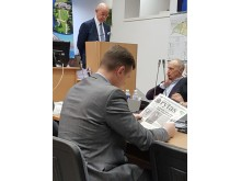 Kol A.Vinkus kalbėjo, V Bacevičius uoliai skaitė laikraštį...