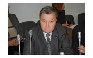 Buvęs Palangos miesto Tarybos narys Aleksandras Jokūbauskas kelia nykštį į viršų – Lietuvos vyriausiasis administracinis teismas panaikino VTEK sprendimą