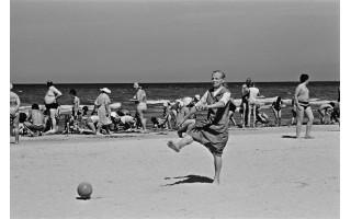 Odė buvimui prie jūros. A.Kunčiaus fotografijose – 50 atostogų Palangoje metų (FOTO GALERIJA)