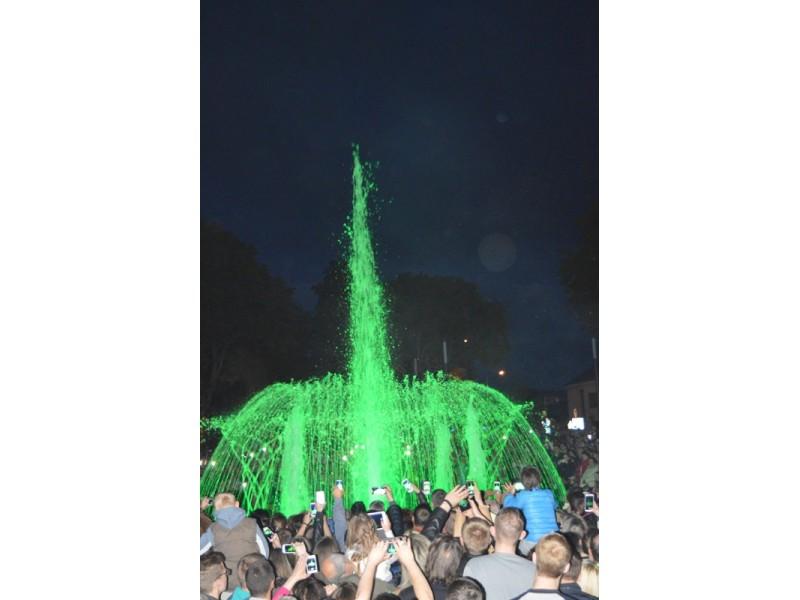 Šimtai palangiškių ir miesto svečių dalyvavo Muzikinio fontano atidaryme