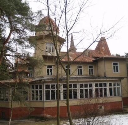 """Vila """"Anapilis"""", vakarų fasadas."""