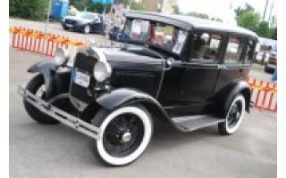 Palangą sudrebins amerikietiškų automobilių variklių gausmas