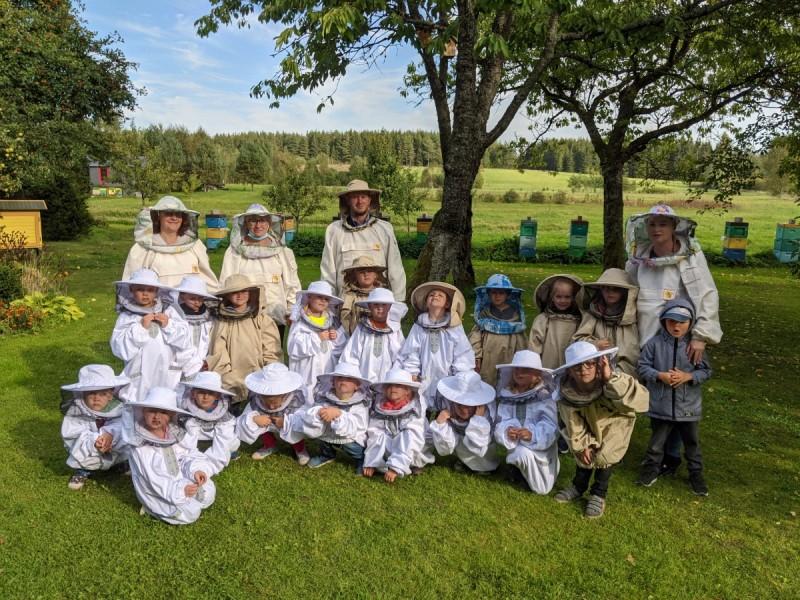 """Palangos lopšelio-darželio """"Gintarėlis"""" mokytojai ugdymą dėl koronaviruso perkelia ugdymą į kitas erdves (FOTO GALERIJA)"""