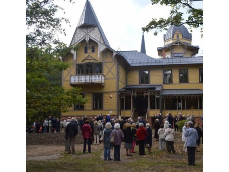 """Praėjusią metų rudenį pristatytoje atnaujintoje viloje """"Anapilis"""" netrukus įsikūrė sėkmingai veikiantis ir lankytojus ekspozicijomis viliojantis Palangos kurorto muziejus."""
