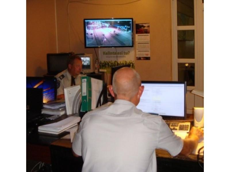 Sekmadienio naktis kartu su policijos ekipažu: nuo triukšmautojų iki miegalių viešose vietose