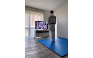 SHODAN Palangos karatistai treniruojasi nuotoliniu būdu