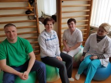 Šauni Palangos ASPC reabilitacijos komanda: masažuotojas Gediminas Savickas, kineziterapeutė Raimonda Tuinylienė, masažuotoja Loreta Vaitelytė, fizinės medicinos ir reabilitacijos slaugytoja Gražina Rudnickienė.