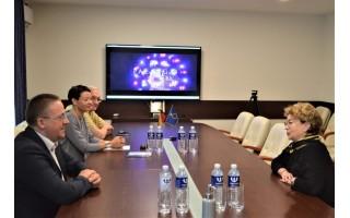 Meras Šarūnas Vaitkus pirmadienį susitiko su žydų bendruomenės pirmininke Faina Kukliansky