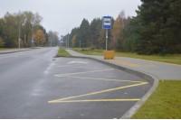 Dėl užstatytų automobilių į spąstus neįgalieji patenka ir stotelėse