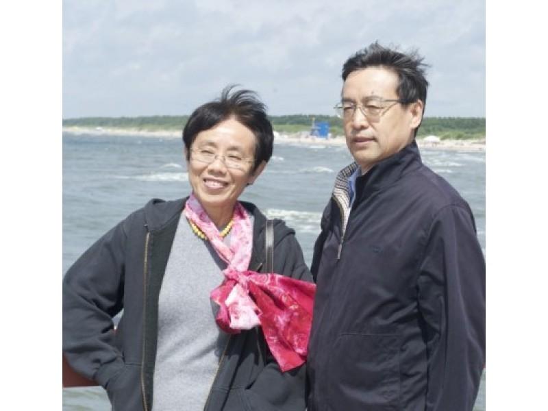 Kinijos ambasadorius Lietuvoje Liu Zengvenas su žmona sakė, jog jiems labai patinkanti Palanga. G. Šedžio nuotr.