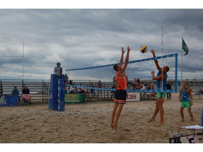 Pliažo tinkliniui nebaisus joks oras