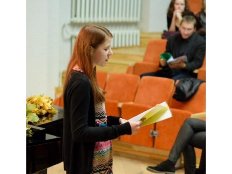 """""""Moksleivių poezijos rudens Palangoje"""" nugalėtoja - gimnazistė Rasa Kšatuckaitė."""