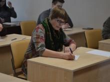 Muziejininkė R. Makauskienė prisipažino, jog niekada nepraleidžia progos rašyti Nacionalinį diktantą, vienais metais ji net buvo patekusi į finalą.