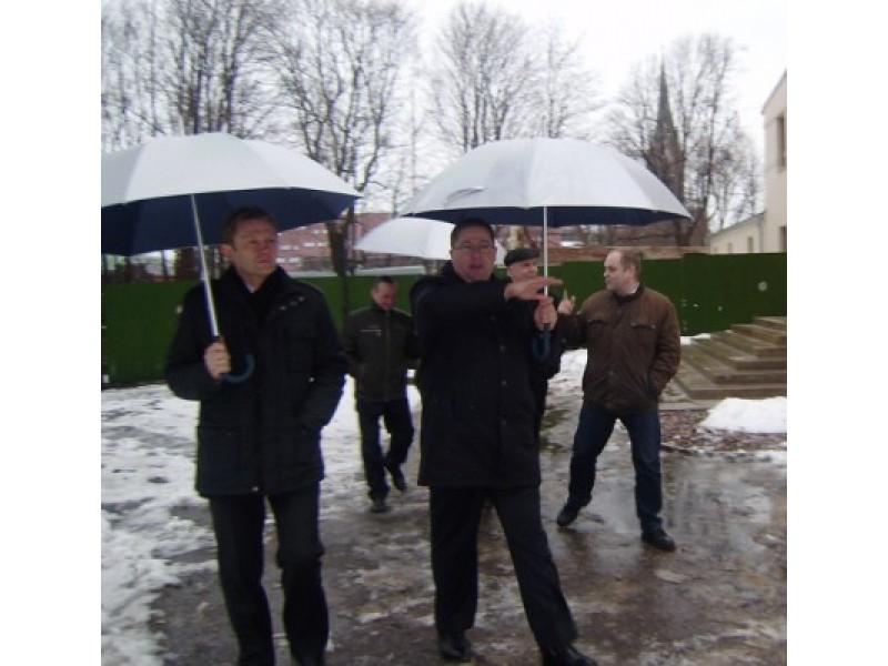 Vakar Palangoje lankęsis bei su kurorto meru Šarūnu Vaitkumi susitikęs kultūros ministras Šarūnas Birutis pripažino, jog Palanga pasirengusi įgyvendinti Lietuvos kultūros sostinės renginius.