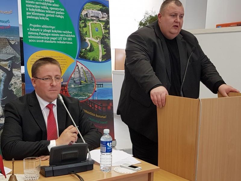 Meras Š.Vaitkus nuo buvusio turgaus direktoriaus E.Židanavičiaus gynė dabartinį turgaus vadovą A.Byčkovą.
