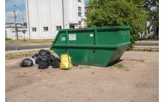 Stambiagabaritėms atliekoms – talpus konteineris Bangų gatvės aikštelėje