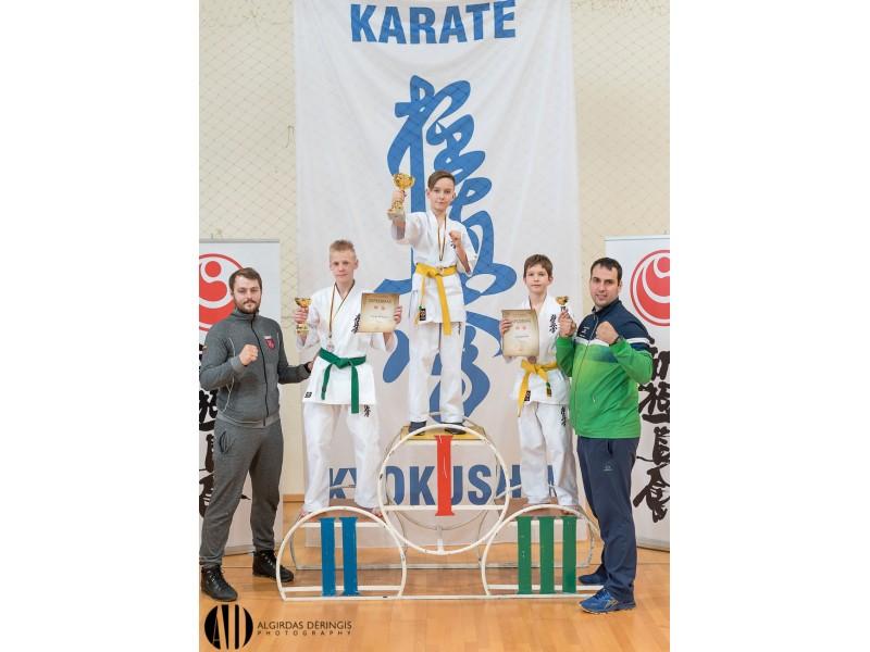 Palangiškių medaliai Lietuvos karatė kiokušin kata čempionate