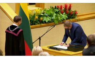 """Seimo narys Mindaugas Skritulskas: """"Mano pareiginė alga """"į rankas"""" yra 2026 eurai"""""""
