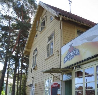 """Buvusi vila """"Gintaras"""" priklausė advokatui Pranui Raulinaičiui."""