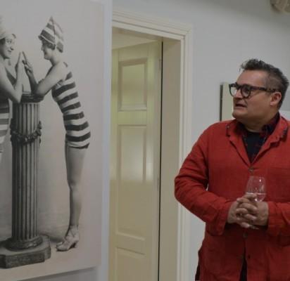 Mados istorikas A. Vassiliev pristatė savo kolekciją apie kurorto madas.