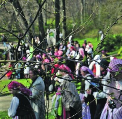 Geriausi folkloro kolektyvai Palangoje ieškos Šv. Jurgio raktų