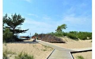 Paplūdimiuose atnaujintos neįgaliesiems skirtos aikštelės