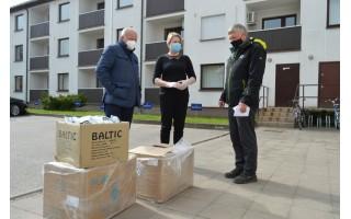 Kurorto Rotary klubo dovana palangiškiams – keletas dėžių apsaugos priemonių