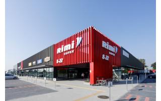 """""""Rimi"""" stiprina pajėgas pajūryje: duris atvėrė pirmoji parduotuvė Kretingoje"""