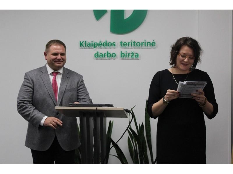 Lietuvos darbo biržos (LDB) Klaipėdos teritorinės darbo biržos direktorius Mindaugas Skritulskas  ir LDB direktorė Ligita Valalytės