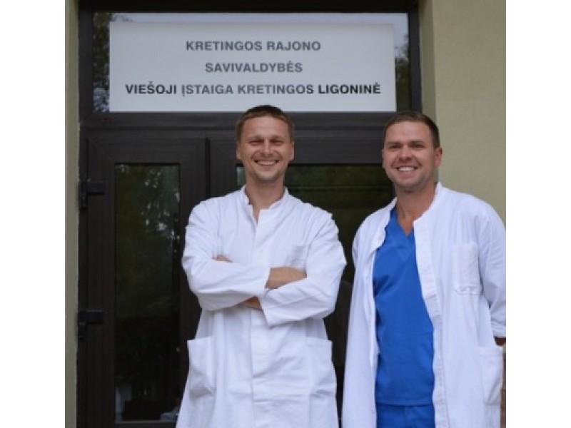Jauni specialistai R. Šuipys ir T. Abelkis visada pasiruošę ištiesti pagalbos ranką.
