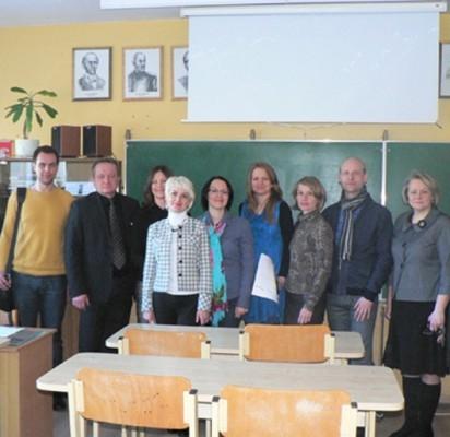 """""""Ugdymo karjerai ir stebėsenos modelių sukūrimas ir plėtra bendrajame lavinime bei profesiniame mokyme""""konsultantai """"Baltijos"""" pagrindinėje mokykloje."""